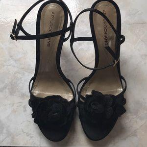 Arturo Chiang soft sensual sole black  sandals